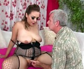Jeffs Models – Hot plump girl Aubrey Blu gets fucked and cum in mouth