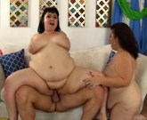 Mature BBW makes her plumper friend up from sleep and licks her pussy
